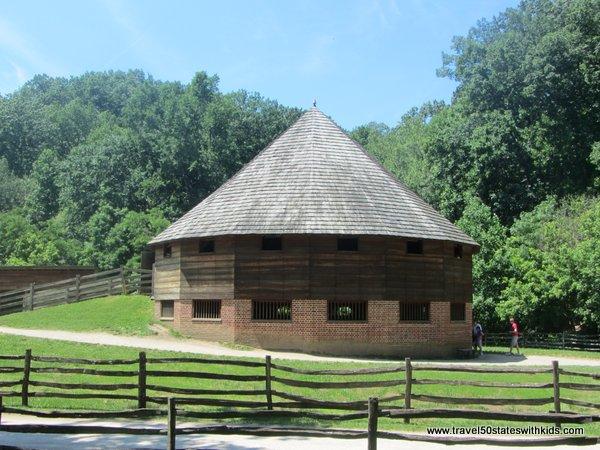 Mount Vernon 16-sided barn