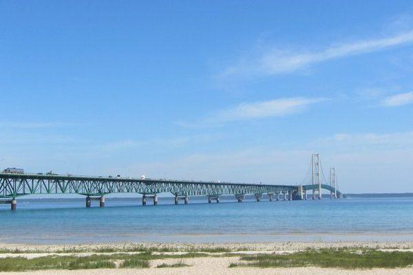 Michigan – Mackinac Bridge: Gateway to Yooperland
