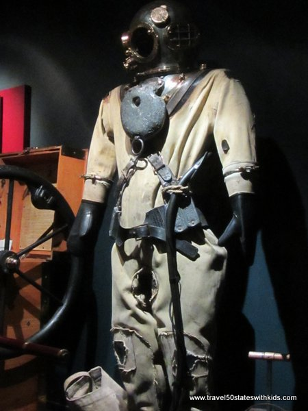 Old-fashioned scuba suit - Great Lakes Shipwreck Museum
