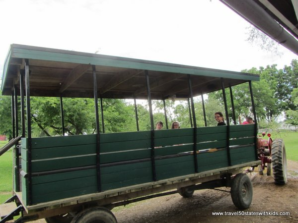 Amish Acres Farm Wagon Tour