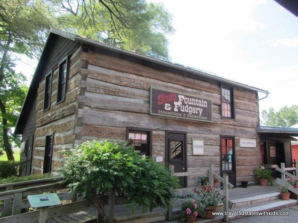 Amish Acres Soda Fountain & Fudgery