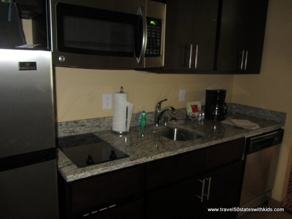 Bowling Green TownePlace Suites kitchen