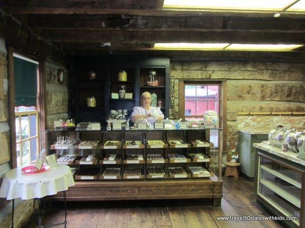 Shops at Amish Acres