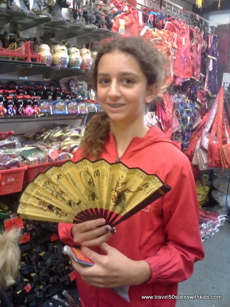 Fan shopping in Chinatown