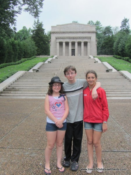 Lincoln Memorial Building - Lincoln Birthplace