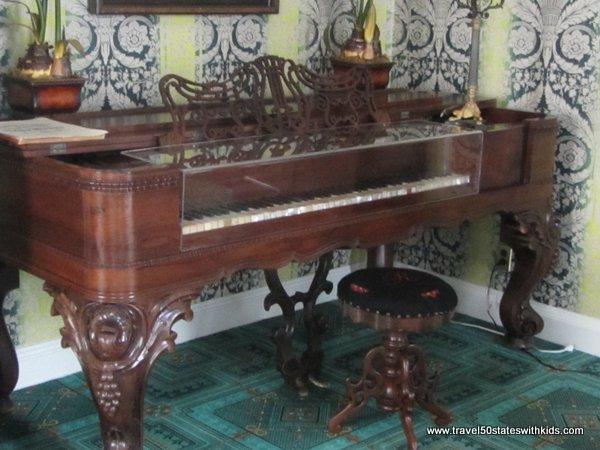 Piano at Federal Hill