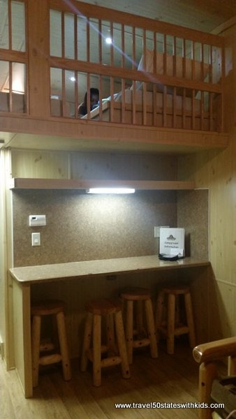 Bar area - Christmas Cabin - Lake Rudolph