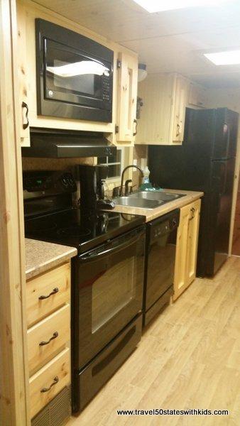 Christmas Cabin kitchen - Lake Rudolph