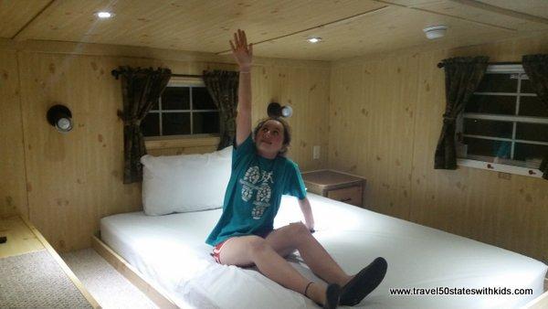 Queen loft - Christmas Cabins - Lake Rudolph